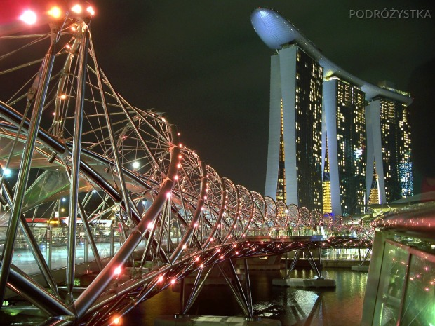 Singapur, Marina Bay Sands Hotel i most DNA (the Helix Bridge)