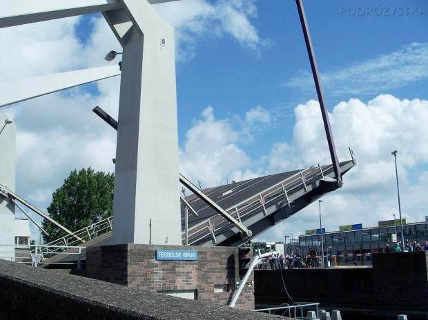 Holandia, Alkmaar, most zwodzony Tesselse Brug