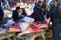 Wietnam, Bac Ha, market – stoisko mięsne