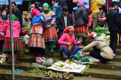 Wietnam, Bac Ha, kobiety z mniejszości Flower Hmong