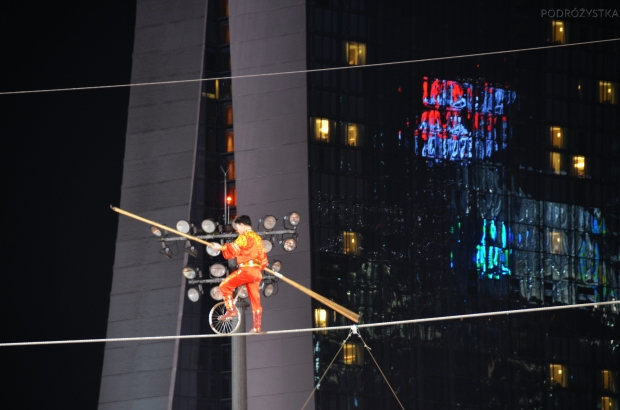 Singapur, CNY 2015, The Float @ Marina Bay, pokaz linoskoczka