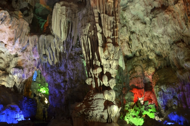 Wietnam, Halong Bay, jaskinia Niebiański Pałac (Heavenly Palace Cave - Động Thiên Cung)