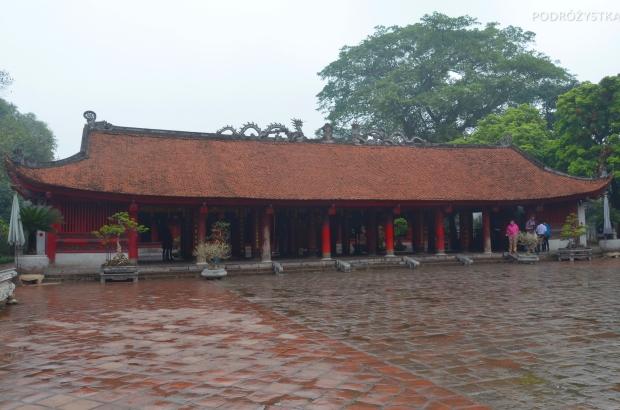 Wietnam, Hanoi, dziedziniec przed salą Konfucjusza, Temple of Literature (Văn Miếu)
