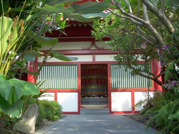 Singapur, Chinatown, Buddha Tooth Relic Temple & Museum - Świątynia i muzeum Zęba Buddy, młynek modlitewny