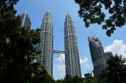 Malezja, Kuala Lumpur, Petronas Towers połączone Sky Bridge'm