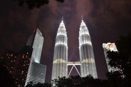 Malezja, Kuala Lumpur, Petronas Towers nocą