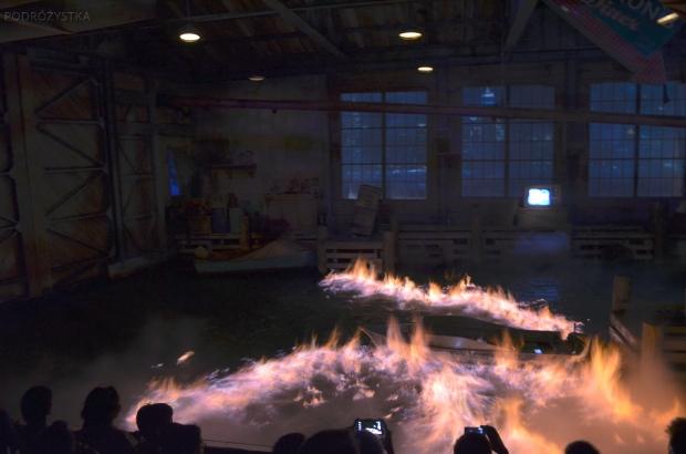 Singapur, Universal Studios, efekty specjalne - płonąca woda