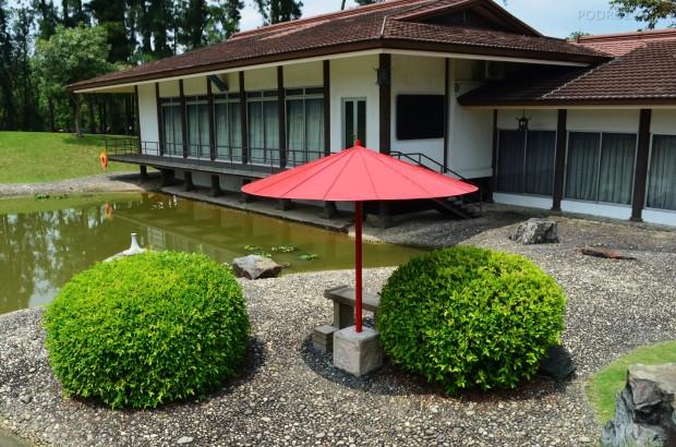 Singapur, Chinese and Japanese Garden - Ogród Chiński i Japoński - domek gościnny w stylu japońskim
