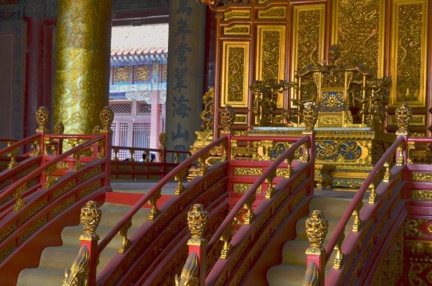 Chiny, Pekin, Zakazane Miasto, tron cesarski w Hall of the Norms of Government