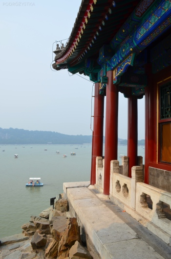 Chiny, Pekin, Summer Palace, widok z pawilonu na jezioro