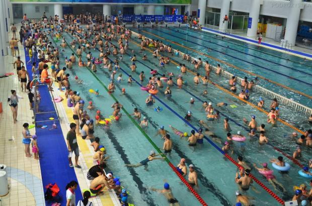 Chiny, Pekin, Water Cube w wiosce olimpijskiej, jakoś odechciało mi się dać nura
