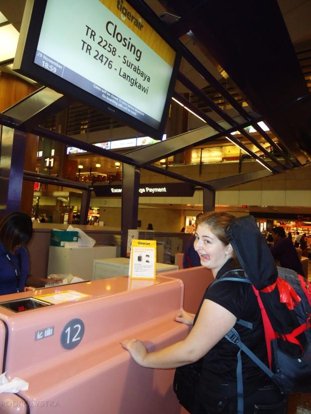 Singapur, lotnisko Changi, zamknięcie check-inu na lot do Surabayi