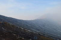 Indonezja, wyspa Java, wulkan Ijen, ludzie na krawędzi