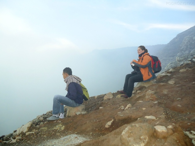 Indonezja, wyspa Java, wulkan Ijen, siedzę w kraterze!