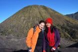 Indonezja, wyspa Java, okolice wulkanu Bromo, jedna z wielu osób, które chciały mieć z nami zdjęcie - sława dopadnie Cię wszędzie! :D