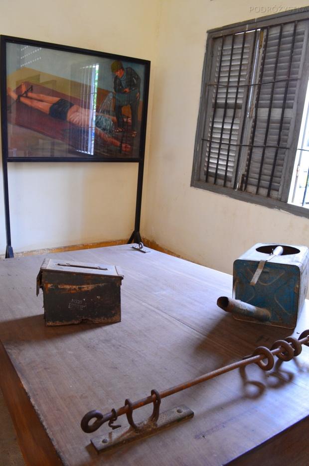 Kambodża, Phnom Penh, muzeum ludobójstwa Tuol Sleng, narzędzie tortur