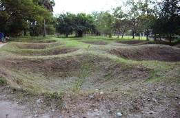 Kambodża, Phnom Penh, Killing Fields, doły, w których znajdowały się masowe groby