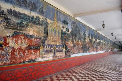 Kambodża, Phnom Penh, kompleks Pałacu Królewskiego, malowidło ciągnące się wzdłuż murów pałacu