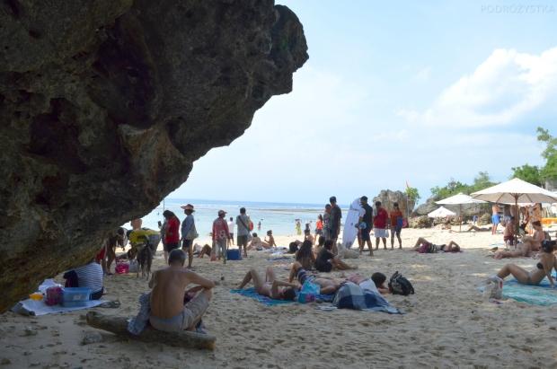 Indonezja, wyspa Bali, jedna z wielu plaż - cień!