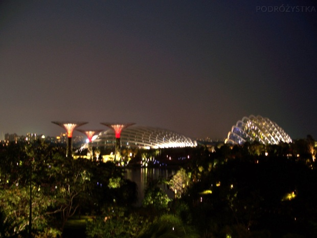 Singapur, Gardens by the Bay, widok na Flower Dome i Cloud Forest