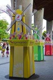 Singapur, Gardens by the Bay, reklama wystawy tulipanów we Flower Dome