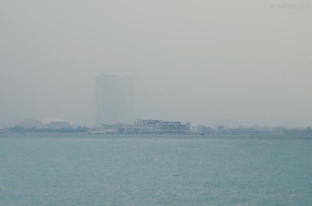 Singapur, wyspa Kusu, deszcz nad Mariną Bay (zniknęła :o)