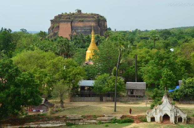Birma (Mjanma), Mingun, widok na Mingun Pahtodawgyi z Hsinbyume Pagoda