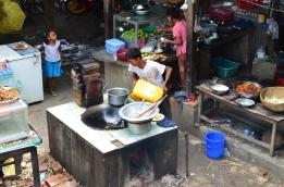 Birma, Amarapura, kuchnia bardziej polowa przy U-Bein Bridge
