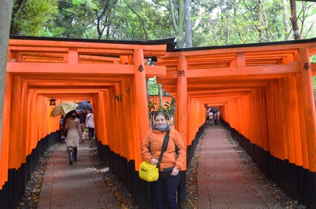 Japonia, Kyoto, Fushimi Inari-taisha, ja i podwójny tunel z torii