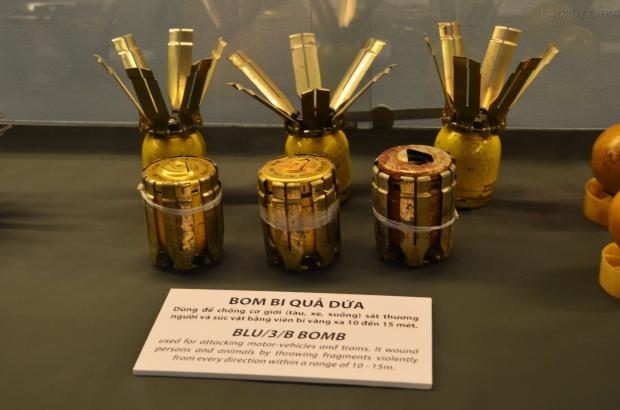 Wietnam, Ho Chi Minh City (Sajgon), War Remnants Museum - Muzeum Pozostałości Wojennych, bomby