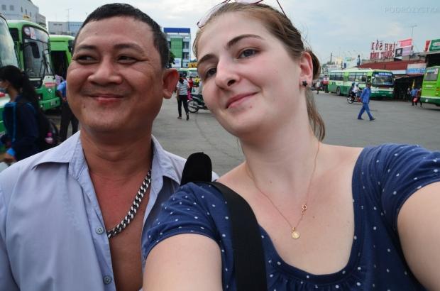 Wietnam, Cu Chi, dworzec autobusowy - pan kierowca :)