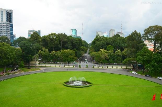 Wietnam, Ho Chi Minh City (Sajgon), Reunification Palace - Pałac Niepodległości/Zjednoczenia, dziedziniec