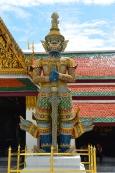 Tajlandia, Bangkok, Grand Palace - Pałac królewski, demon Sahatsadecha strzegący jednej z bram na terenie świątyni Wat Phra Kaew