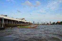 Tajlandia, Bangkok, łódka na rzece Chao Phraya