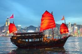 Chiny, Hong Kong, statek wycieczkowy w Victoria Harbour - Porcie Wiktorii
