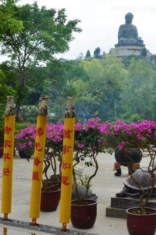 Chiny, Hongkong, wyspa Lantau, Po Lin Monastery (klasztor Po Lin), ogromne kadzidła