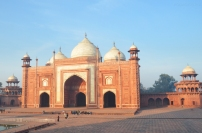 Indie, Agra, meczet Kau Ban na terenie kompleksu Taj Mahal