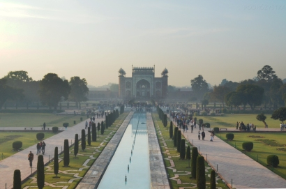 Indie, Agra, Great Gate (Darwaza i Rauza), brama wejściowa do ogrodów przy Taj Mahal