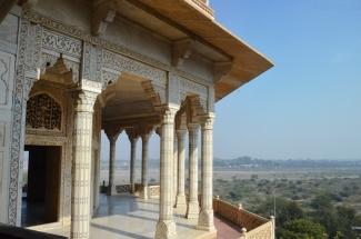 Indie, Agra, Agra Fort, widok z Khas Mahal na Mussaman Burj