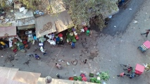 Indie, Delhi, widok z hotelu na ulicę handlową..
