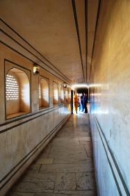 Indie, Jaipur, Amber Fort, marmurowe korytarze części pałacowej