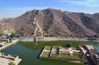 Indie, Jaipur, Amber Fort, widok na Wielki Mur Indii i jezioro Maotha