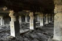 Indie, Maharasztra, okolice Aurangabad, jaskinie Ellora (Ellora Caves) - prawdopodobnie jaskinia numer 4