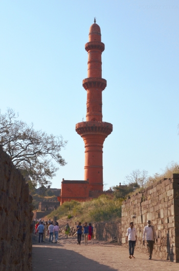 Indie, Maharasztra, okolice Aurangabad, Fort Daulatabad, Chand Minar - minaret