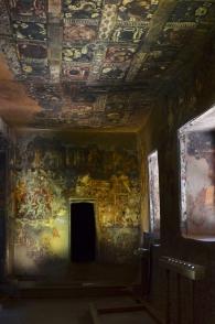 Indie, Maharasztra, okolice Aurangabad, jaskinie Ajanta, freski w jaskini numer 16
