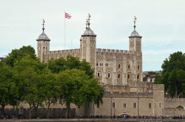 UK_I_07_Tower_of_London_50_size_watermark