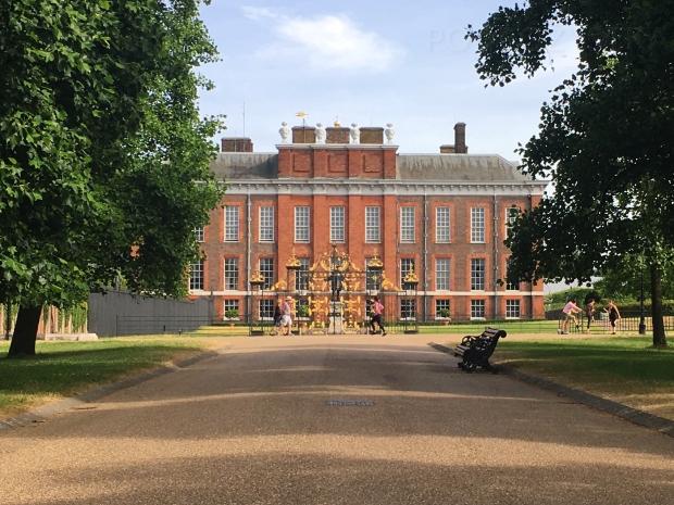 UK_I_11_Kensington_Palace_Side_Gate_50_size_watermark