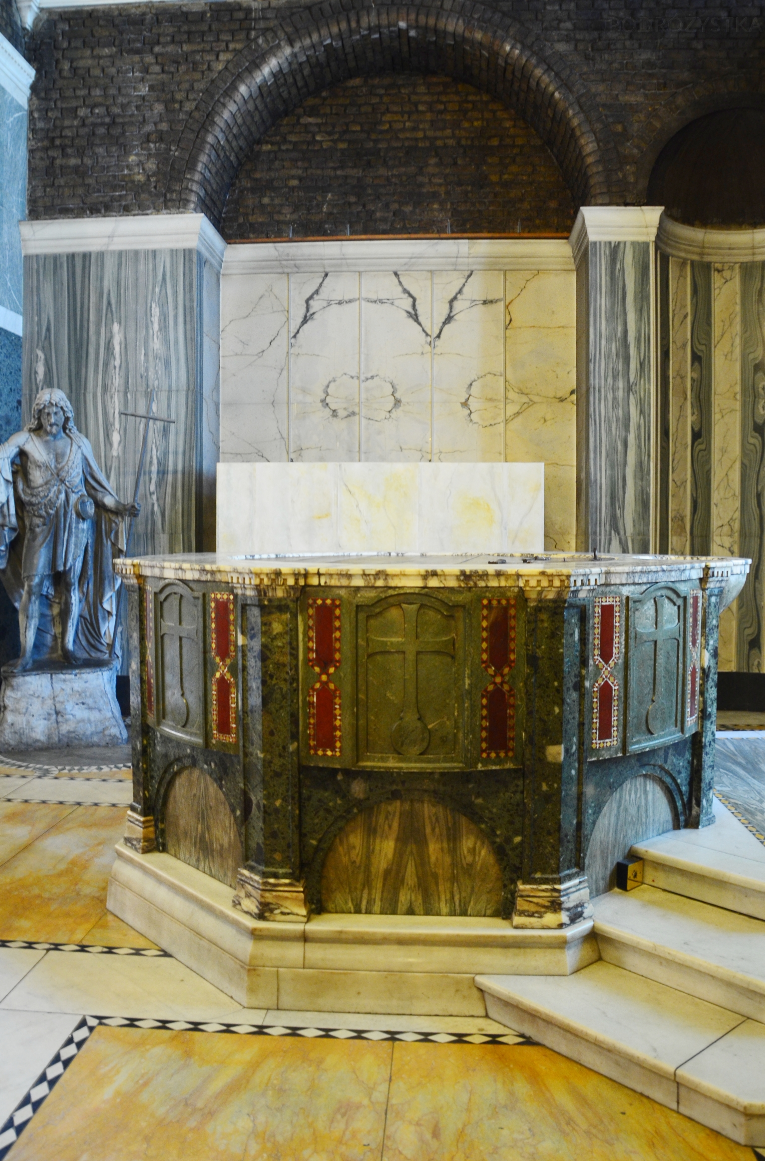 UK_III_08_Westminster_Cathedral_The_Baptistry_50_size_watermark