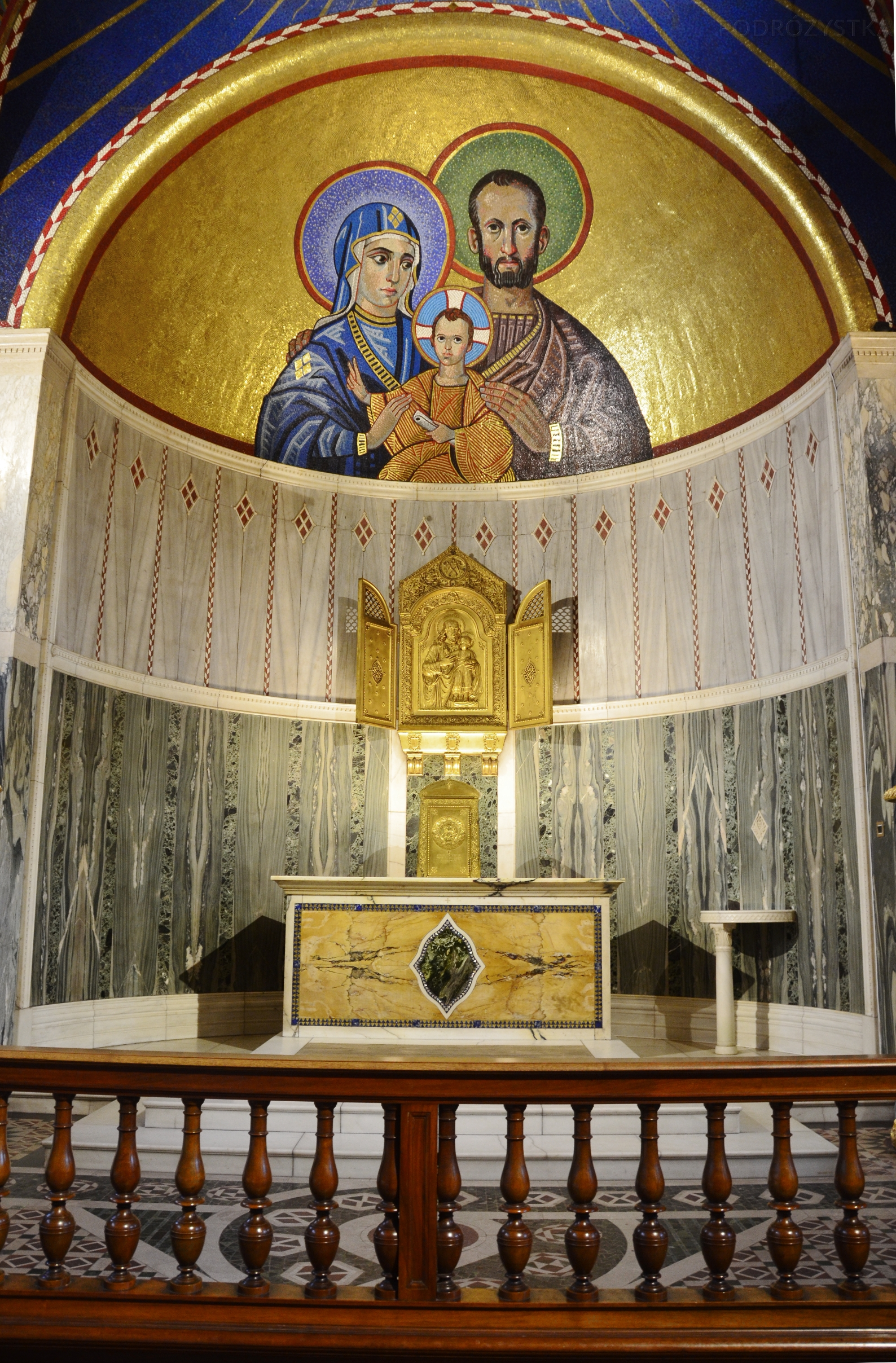 UK_III_09_Westminster_Cathedral_Chapel_of_St_Joseph_50_size_watermark
