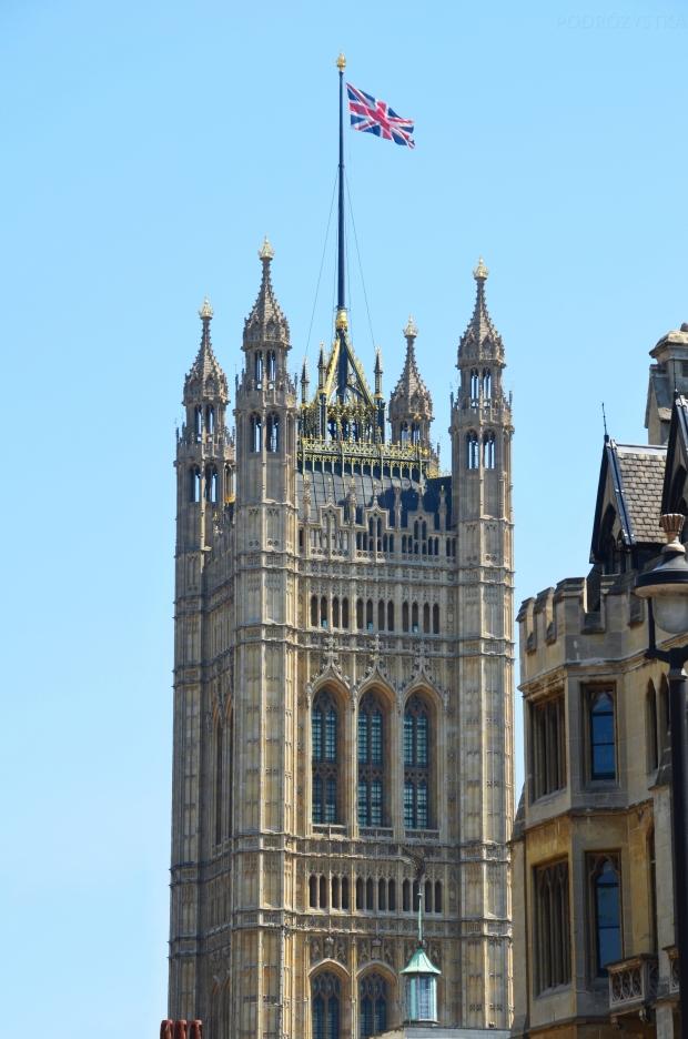 UK_III_18_London_Eye_Palace_of_Westminster_Victoria_Tower_50_size_watermark